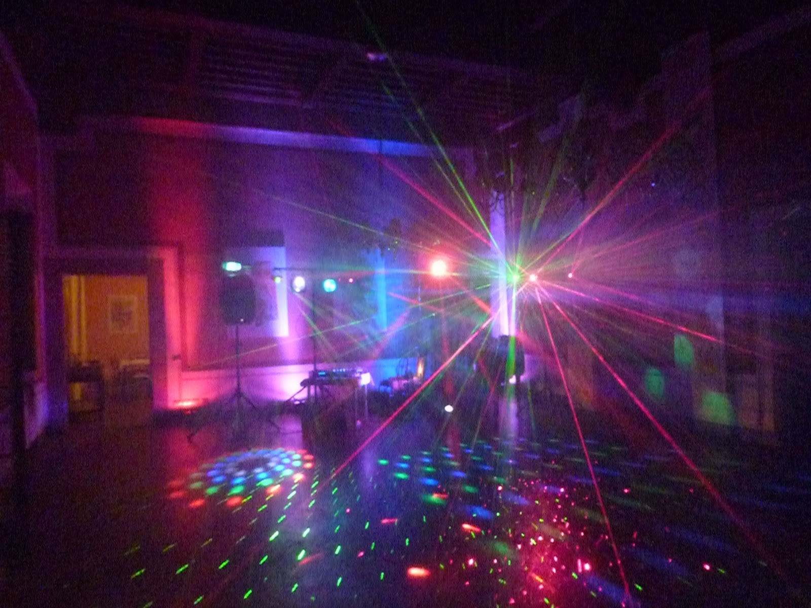 disco party in a castle in Tuscany – Mobile dj and Mobile ...