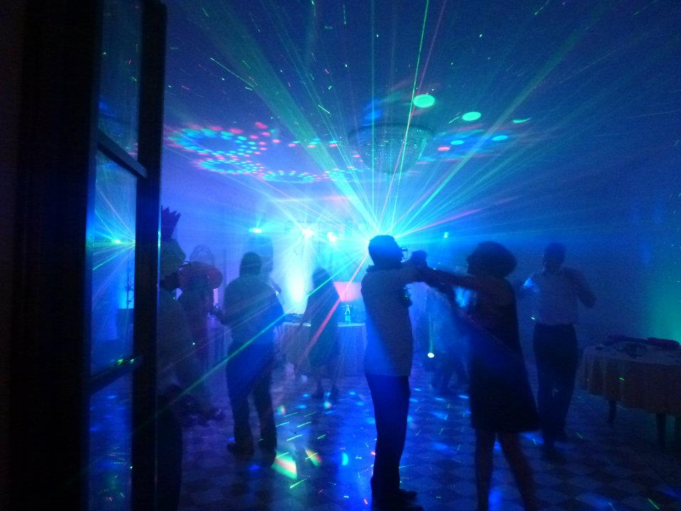 House Dj Mobile Dj And Mobile Disco For Your Party In